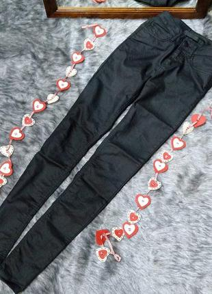 Стильные джинсы с высокой посадкой just female