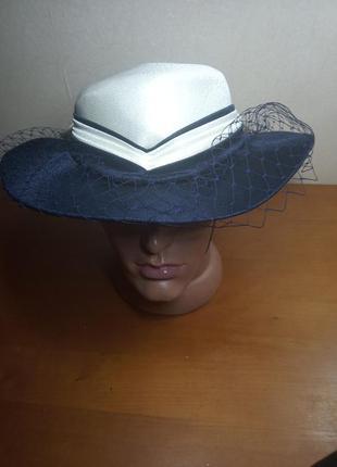 Шикарная английская шляпка достойна леди