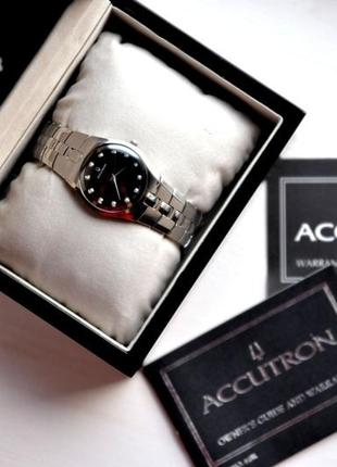 Бриллианты! швейцарские часы с бриллиантами bulova accutron!