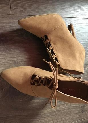 Сапоги лодочки на шнуровке новые мода 2021
