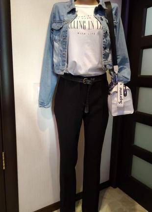 Базовые черные брюки штаны зауженные
