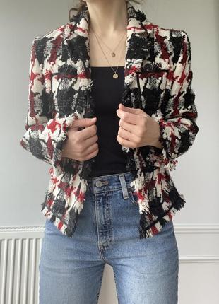 Шерстяной пиджак , рисунок гусиная лапка, в стиле chanel