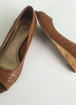 Коричневый туфли балетки на танкетке