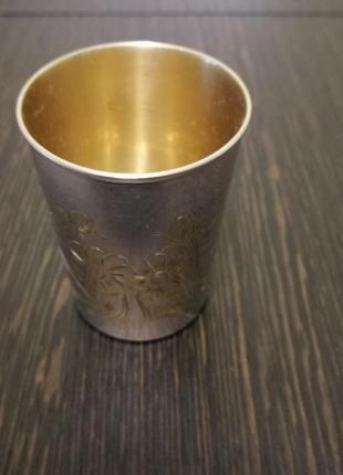Стопка серебро с позолотой.