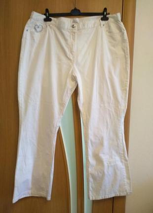 Супер стильные белые брюки,  джинсы с карманами. размер 26