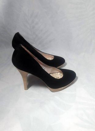 Актуальные, замшевые туфли лодочки