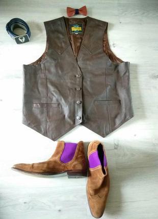 Фирменный кожаный жилет. жилетка из натуральной кожи.