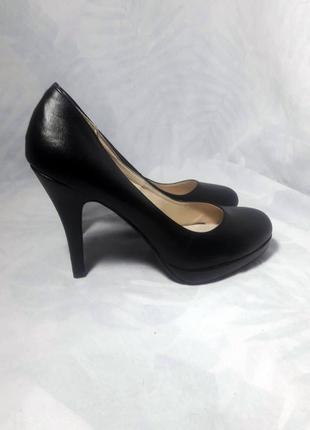 Классические, аккуратные туфли лодочки