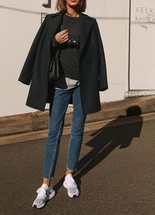 Серый минималистичный пиджак-пальто