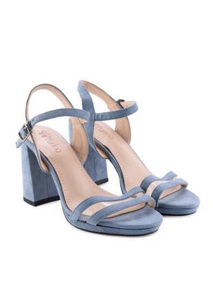 Голубые летние замшевые босоножки на толстом каблуке