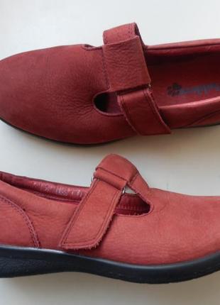 Кожаные туфли padders 39р