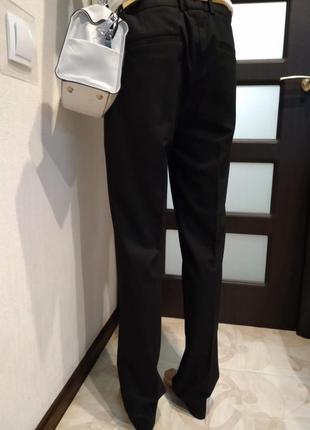 Базовые черные зауженные брюки штаны прямого покроя длинные