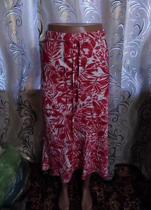 Очень красивая юбка с цветочным принтом marks & spencer