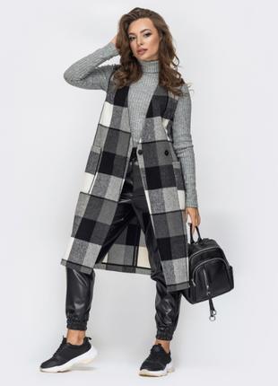 Стильное пальто жилет