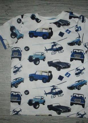 Котоновая футболочка машинки фирмы f&f на 7 лет
