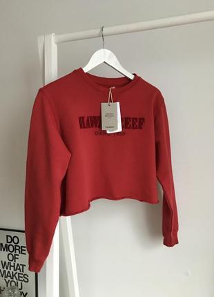 📎 укороченный красный свитшот pull&bear