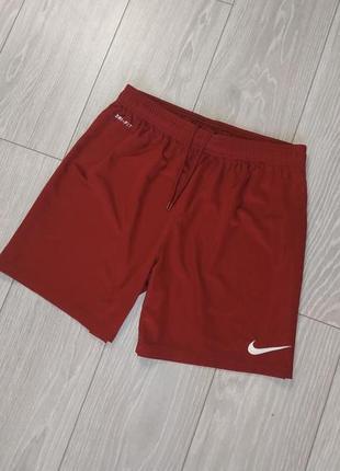 Спортивні шорти nike dri fitбордового кольору розмір m
