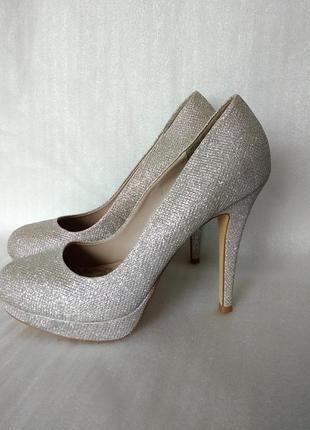 Р 8 / 42 27,5-28 см серебристые блестящие туфли на платформе и высоком каблуке next