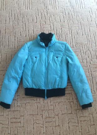 Курточка короткая тёплая ( пуховик)