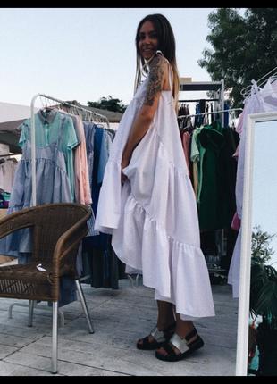 Крутое длинное дизайнерское платья шлейф