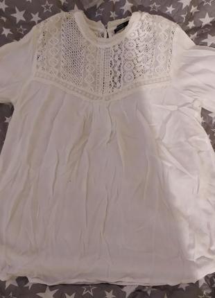Свободная блузка с кружевом