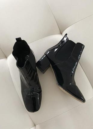 Стильные лакированные ankle туфли ботинки ботильоны на каблуке с квадратным носком