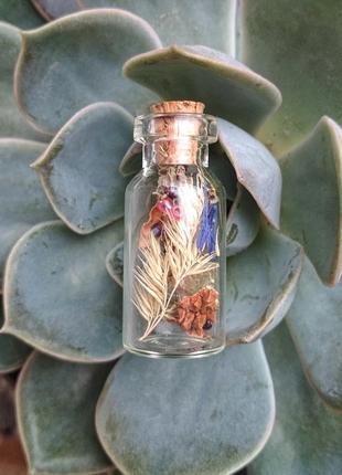 Подвеска-бутылочка с сухоцветами