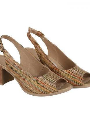 Кожаные женские цветные босоножки в полоску на устойчивом каблуке натуральная кожа
