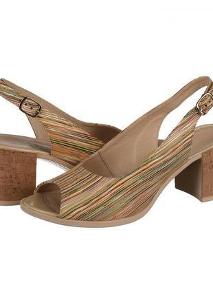 Кожаные женские цветные босоножки в полоску на устойчивом каблуке натуральная кожа3 фото