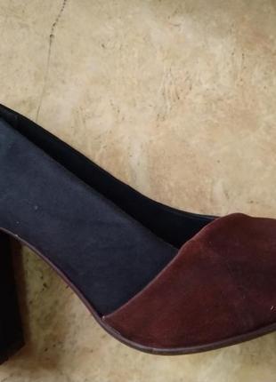 Модельные туфли на устойчевом каблуке clarks р. 37,5/38