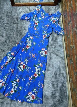 Платье с вырезами на плечах из вискозы wallis