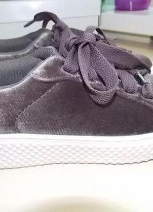 Новые стильные велюровые кроссовки glo р-р36(23.3см) и 40(26см)германия-распродажа.
