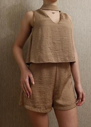 Комбинезон с шортами шорты высокая талия ткань золотисто-бежевый