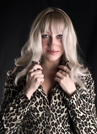 Стильный леопардовый костюм
