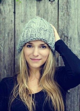 Красива бежева стильна шапка , шапочка zara