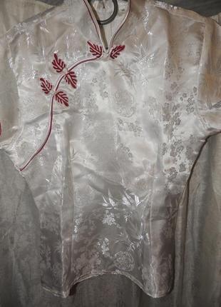 Шикарная блуза - кимоно   белая с роскошной вышивкой м