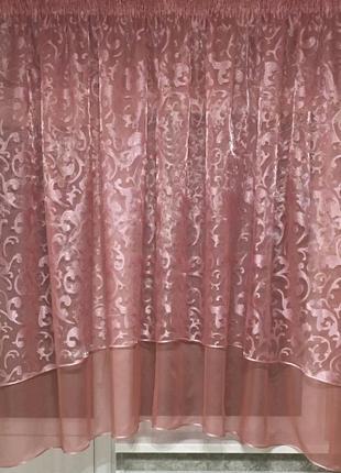 Розовая тюль на кухню