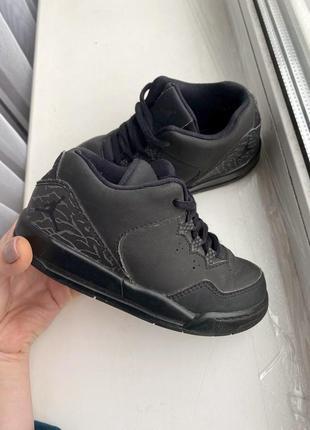 Кроссовки jordan джордан 16,5 см черные