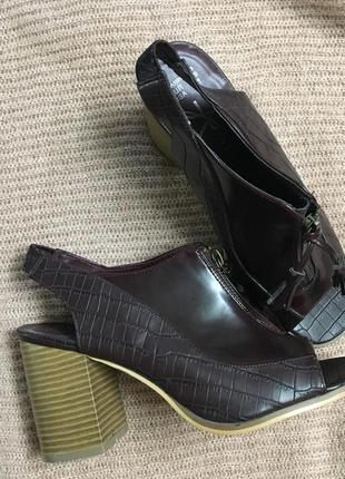 Босоножки на удобном каблуке экокожа р 39