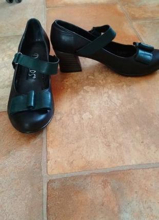 Туфли черные женские