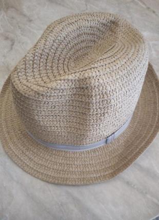 Соломенная шляпа федора