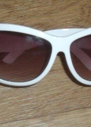 Очки белые new look
