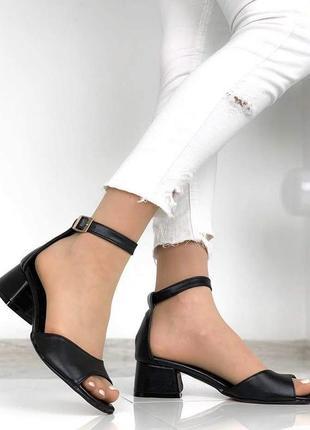 Босоножки кожаные черные устойчивый каблук 4 см
