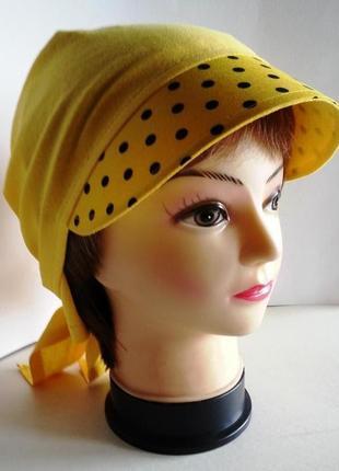 Бандана женская. желтый трикотаж. черные горохи на лимонном фоне.