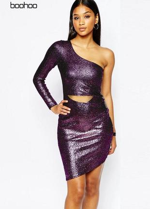 Платье с металлическим отливом на одно плечо boohoo1 фото