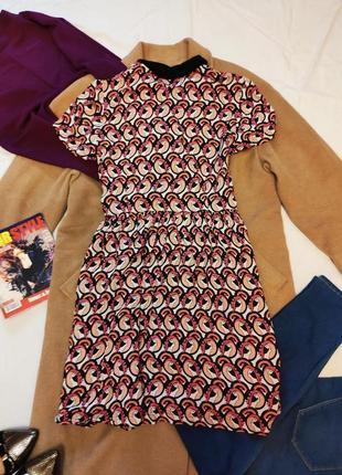 Платье свободное легкое в рубашечном стиле с черным воротником fearne cotton5 фото