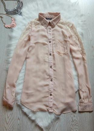 Пудровая блуза рубашка с ажурными плечами гипюр бежевая длинный рукав шифон пуговицами
