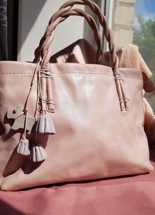 Брендовая кожаная сумка radley с брелком розового пудрового цвета с пыльником в подарок