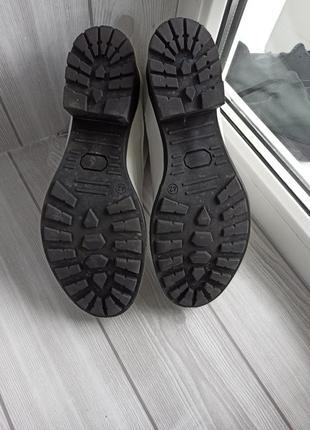 Кожаные ботинки белые4 фото