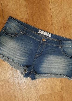 Короткие джинсовые шорты 18 размер